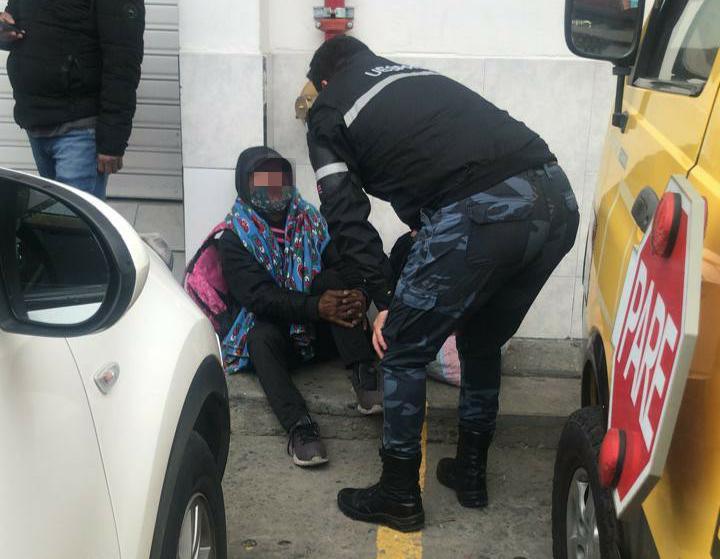 WhatsApp Image 2021 06 09 at 11.56.25 AM - Agentes Civiles de Tránsito apoyan en rescate de un adulto mayor en las calles